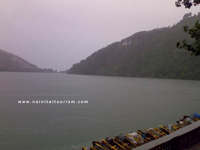 RAINY DAY IN NAINITAL
